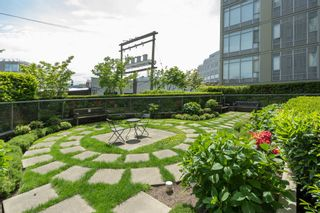 """Photo 18: 413 2055 YUKON Street in Vancouver: False Creek Condo for sale in """"THE MONTREUX"""" (Vancouver West)  : MLS®# R2371441"""