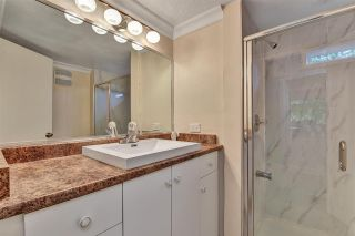 """Photo 13: 12 6280 KING GEORGE Boulevard in Surrey: Panorama Ridge Manufactured Home for sale in """"WHITE OAKS"""" : MLS®# R2583644"""