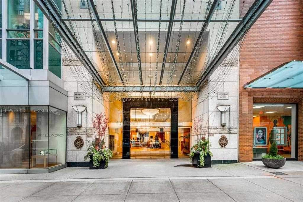 """Main Photo: 1604 837 W HASTINGS Street in Vancouver: Downtown VW Condo for sale in """"TERMINAL CITY CLUB"""" (Vancouver West)  : MLS®# R2547787"""