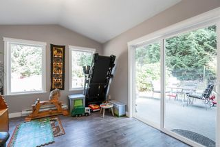 Photo 5: 4176 Briardale Rd in : CV Courtenay South House for sale (Comox Valley)  : MLS®# 885475