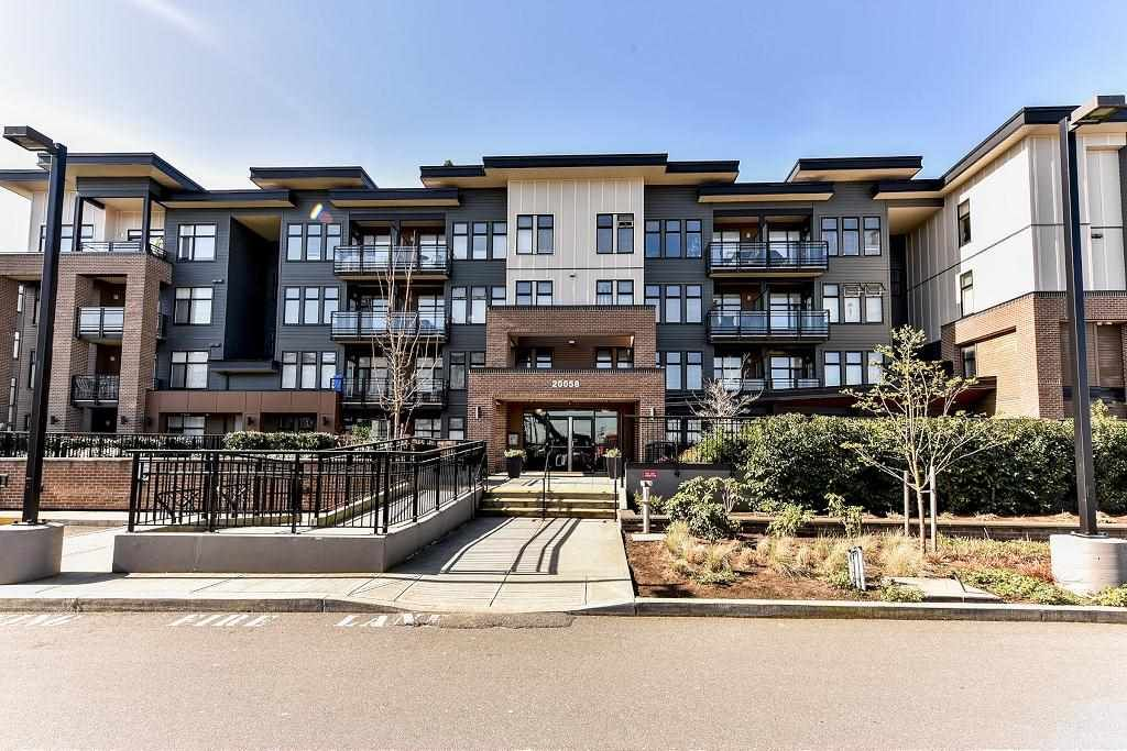 """Main Photo: 408 20058 FRASER Highway in Langley: Langley City Condo for sale in """"VARSITY"""" : MLS®# R2113217"""