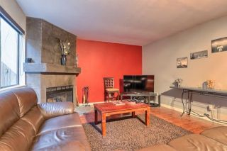 "Photo 3: 13281 71B Avenue in Surrey: West Newton Townhouse for sale in ""SunCreek"" : MLS®# R2238467"