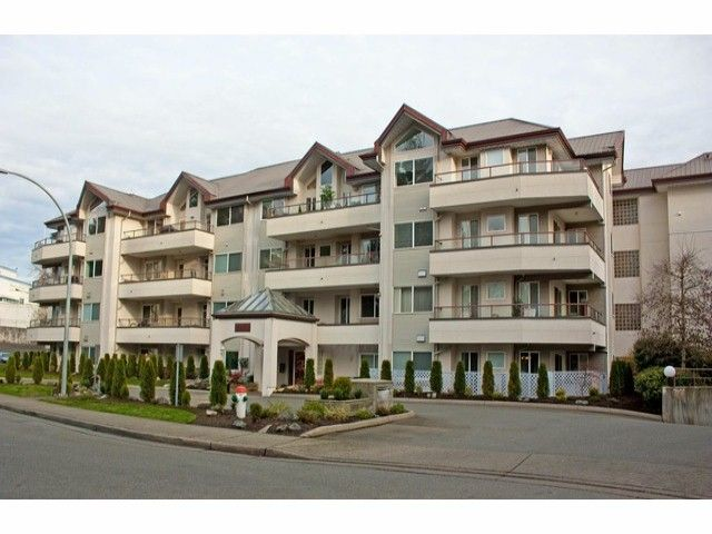 "Main Photo: 305 2526 LAKEVIEW Crescent in Abbotsford: Central Abbotsford Condo for sale in ""MILLSPRING MANOR"" : MLS®# F1228036"