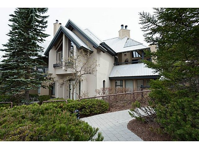 Main Photo: 14 4725 SPEARHEAD Drive in Whistler: Benchlands Townhouse for sale : MLS®# V1064943