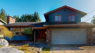 Photo 1: 873 POPLAR Lane in Gibsons: Gibsons & Area House for sale (Sunshine Coast)  : MLS®# R2562364