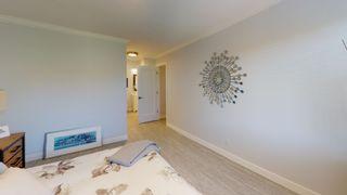 "Photo 11: 305 1360 MARTIN Street: White Rock Condo for sale in ""The Windward"" (South Surrey White Rock)  : MLS®# R2603372"