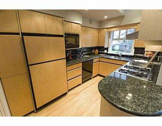 Photo 10: 3354 POINT GREY Road in Vancouver: Kitsilano 1/2 Duplex for sale (Vancouver West)  : MLS®# V688370