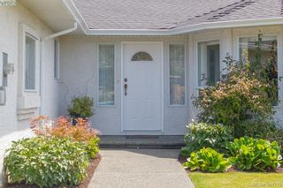 Photo 2: 1047 Adeline Pl in VICTORIA: SE Broadmead House for sale (Saanich East)  : MLS®# 791460