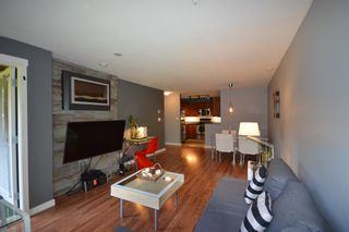 Photo 3: 206 675 PARK CRESCENT in New Westminster: GlenBrooke North Condo for sale : MLS®# R2059305