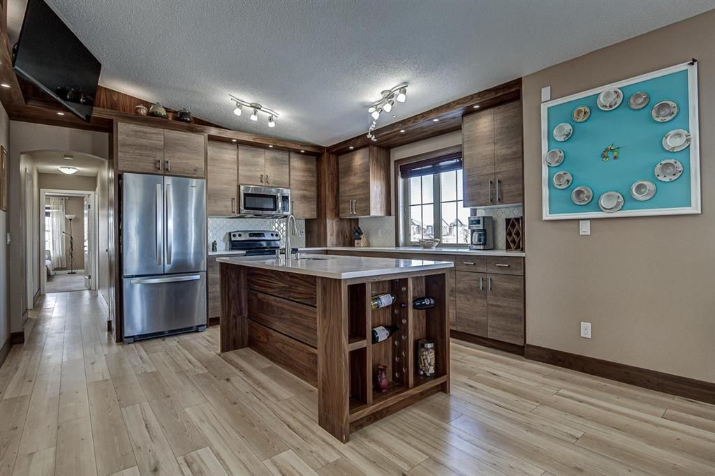 Photo 12: Photos: 230 EVERSYDE Boulevard SW in Calgary: Evergreen Apartment for sale : MLS®# A1071129