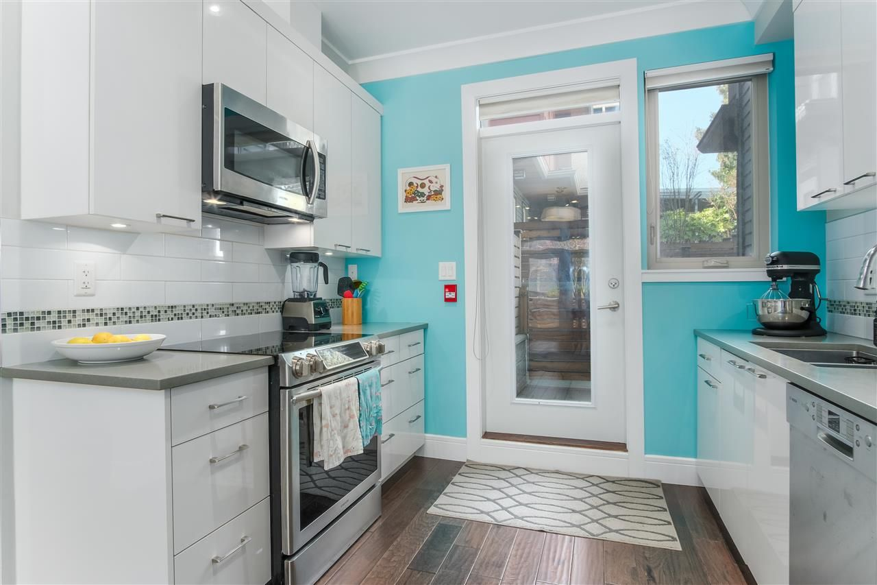 Photo 7: Photos: 3495 INVERNESS STREET in Vancouver: Knight Townhouse for sale (Vancouver East)  : MLS®# R2446835