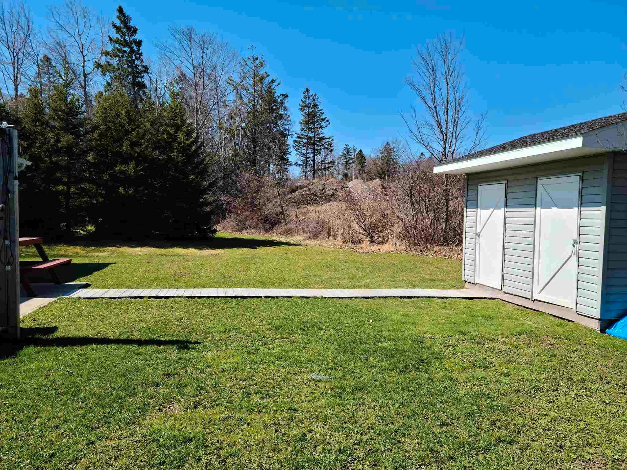 Photo 5: Photos: 131 Waller Drive in Truro: 104-Truro/Bible Hill/Brookfield Multi-Family for sale (Northern Region)  : MLS®# 202110237