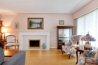 Photo 3: 3825 DUNDAS Street in Burnaby: Vancouver Heights House for sale (Burnaby North)  : MLS®# R2517776