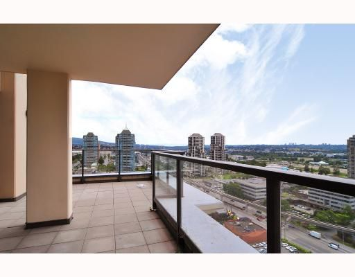 """Photo 6: Photos: 2105 4132 HALIFAX Street in Burnaby: Brentwood Park Condo for sale in """"MARQUIS GRANDE"""" (Burnaby North)  : MLS®# V743269"""