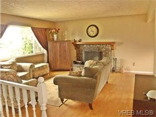 Photo 6: 2431 Sarah Pl in VICTORIA: Co Colwood Lake House for sale (Colwood)  : MLS®# 578149