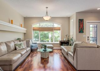 Photo 5: 714 25 Avenue NW in Calgary: Mount Pleasant Semi Detached for sale : MLS®# A1121933