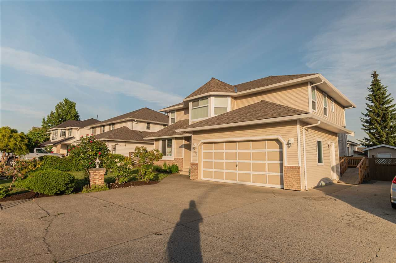 Main Photo: 31070 DEERTRAIL Avenue in Abbotsford: Abbotsford West House for sale : MLS®# R2461098