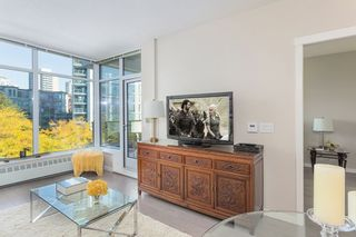 """Photo 5: 512 135 W 2ND Street in North Vancouver: Lower Lonsdale Condo for sale in """"CAPSTONE"""" : MLS®# R2212509"""