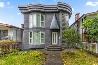 Photo 1: 3223 E 27TH Avenue in Vancouver: Renfrew Heights House for sale (Vancouver East)  : MLS®# R2624973