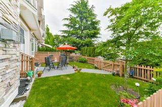 Photo 19: 9 2453 163 Street in Surrey: Grandview Surrey Townhouse for sale (South Surrey White Rock)  : MLS®# R2301850