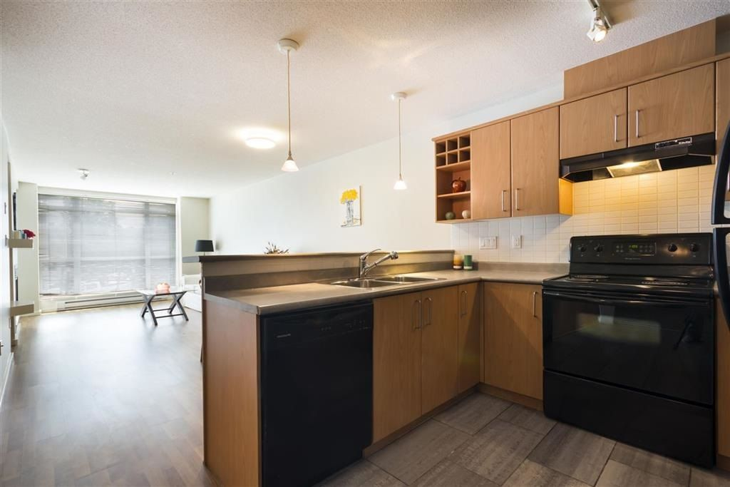 """Photo 7: Photos: 205 3148 ST JOHNS Street in Port Moody: Port Moody Centre Condo for sale in """"SONRISA"""" : MLS®# R2560726"""