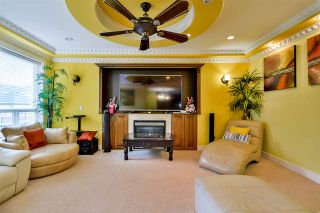Photo 7: 5920 129A Street in Surrey: Panorama Ridge House for sale : MLS®# R2153275