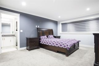 """Photo 19: 28 4295 OLD CLAYBURN Road in Abbotsford: Abbotsford East House for sale in """"Sunspring Estates"""" : MLS®# R2509066"""