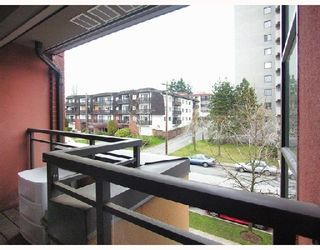 "Photo 8: 512 345 LONSDALE Avenue in North_Vancouver: Lower Lonsdale Condo for sale in ""THE MET"" (North Vancouver)  : MLS®# V693471"