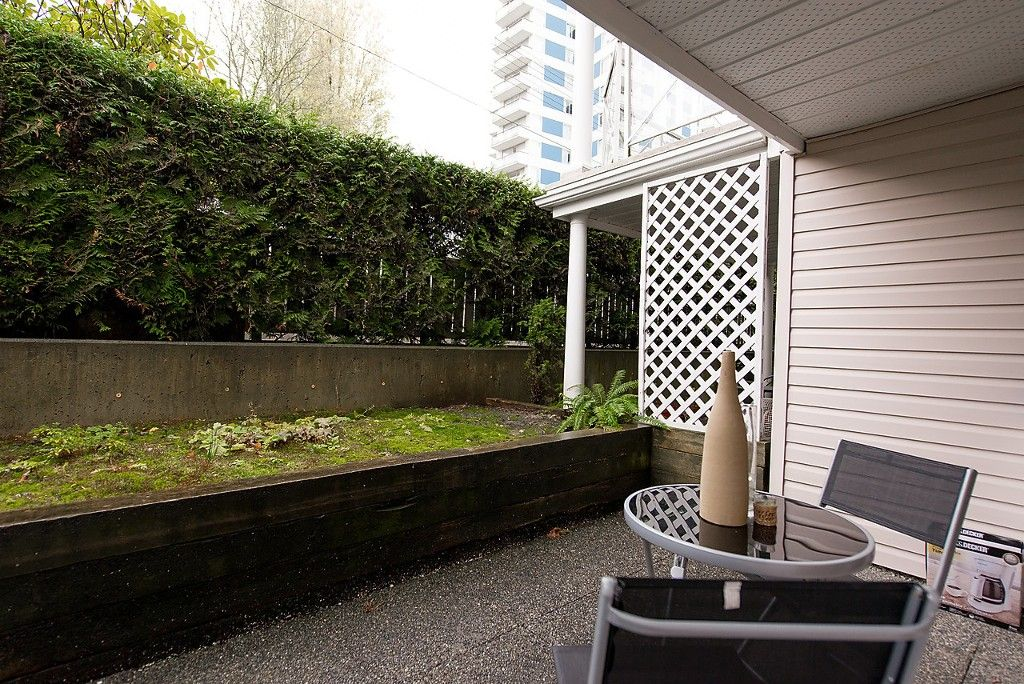 """Photo 10: Photos: 109 5788 VINE Street in Vancouver: Kerrisdale Condo for sale in """"THE VINEYARD"""" (Vancouver West)  : MLS®# V1095219"""