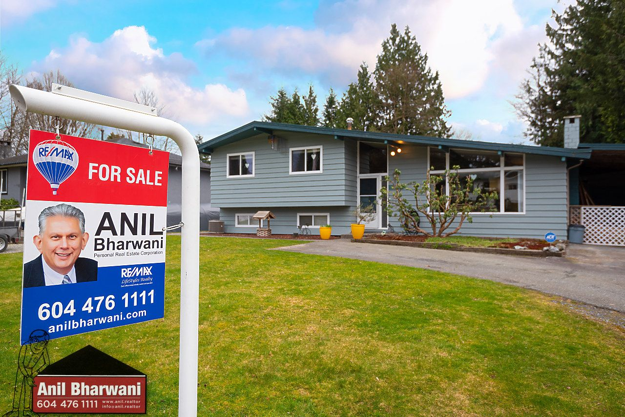 Main Photo: 21784 DONOVAN Avenue in Maple Ridge: West Central House for sale : MLS®# R2543972