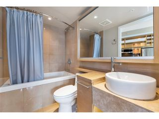 """Photo 15: 1304 833 SEYMOUR Street in Vancouver: Downtown VW Condo for sale in """"Capitol Residences"""" (Vancouver West)  : MLS®# R2504631"""