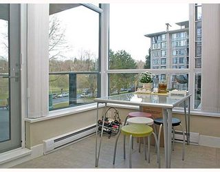 """Photo 5: 320 4685 VALLEY Drive in Vancouver: Quilchena Condo for sale in """"MARGUERITE HOUSE I"""" (Vancouver West)  : MLS®# V753054"""