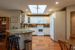 Photo 9: 1976 Fairway Dr in : CR Campbell River Central House for sale (Campbell River)  : MLS®# 875693