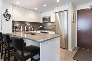 """Photo 3: 905 3102 WINDSOR Gate in Coquitlam: New Horizons Condo for sale in """"Celadon by Polygon"""" : MLS®# R2255405"""