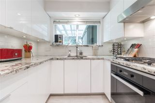 Photo 2: 66 MORVEN Drive in West Vancouver: Glenmore Townhouse for sale : MLS®# R2403500