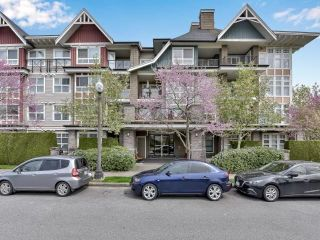 "Main Photo: 305 7088 MONT ROYAL Square in Vancouver: Champlain Heights Condo for sale in ""Brittany"" (Vancouver East)  : MLS®# R2574941"