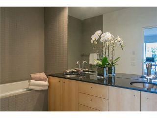 Photo 17: 2115 W 1ST AVENUE in Vancouver: Kitsilano 1/2 Duplex for sale (Vancouver West)  : MLS®# V1142221
