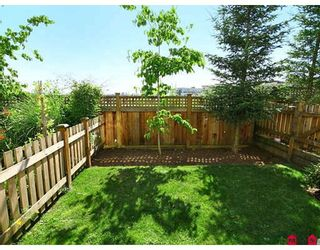 """Photo 10: 24 20460 66TH Avenue in Langley: Willoughby Heights Townhouse for sale in """"WILLOW EDGE"""" : MLS®# F2822446"""