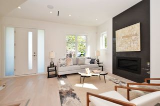 """Photo 6: 88 E 26TH Avenue in Vancouver: Main House for sale in """"MAIN STREET"""" (Vancouver East)  : MLS®# R2108921"""
