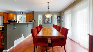 "Photo 10: 7858 LOHN Road in Halfmoon Bay: Halfmn Bay Secret Cv Redroofs House for sale in ""WELCOME WOODS"" (Sunshine Coast)  : MLS®# R2533646"