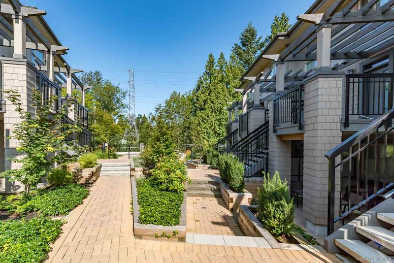 FEATURED LISTING: 3 - 3221 NOEL Drive Burnaby