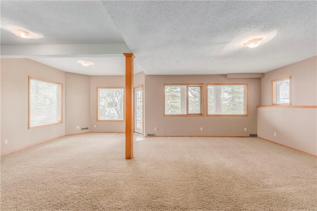 Photo 27: Photos: 2603 SIGNAL RIDGE View SW in Calgary: Signal Hill House for sale : MLS®# C4177922