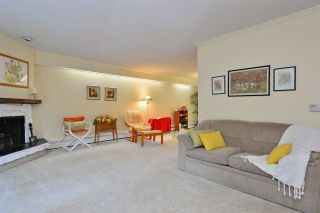 """Photo 5: 106 1351 MARTIN Street: White Rock Condo for sale in """"The Dogwood"""" (South Surrey White Rock)  : MLS®# R2186058"""