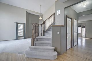 Photo 3: 112 Mt Alberta View SE in Calgary: McKenzie Lake Detached for sale : MLS®# A1082178