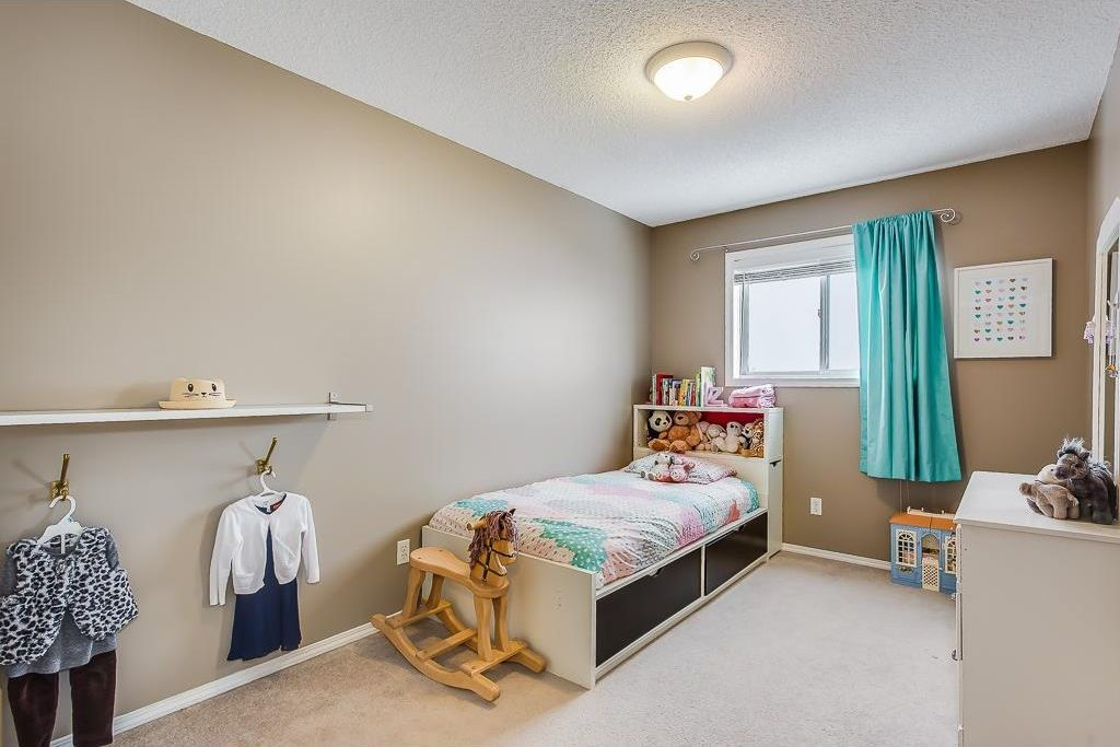 Photo 21: Photos: 137 MILLVIEW Square SW in Calgary: Millrise House for sale : MLS®# C4145951