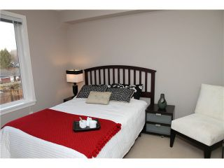 """Photo 7: 11 327 E 33RD Avenue in Vancouver: Main Townhouse for sale in """"WALK TO MAIN"""" (Vancouver East)  : MLS®# V868106"""