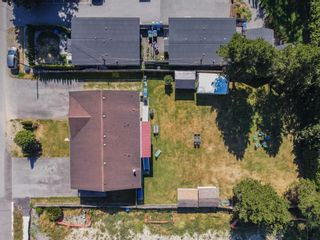 Photo 30: 5873 172A Street in Surrey: Cloverdale BC 1/2 Duplex for sale (Cloverdale)  : MLS®# R2497442