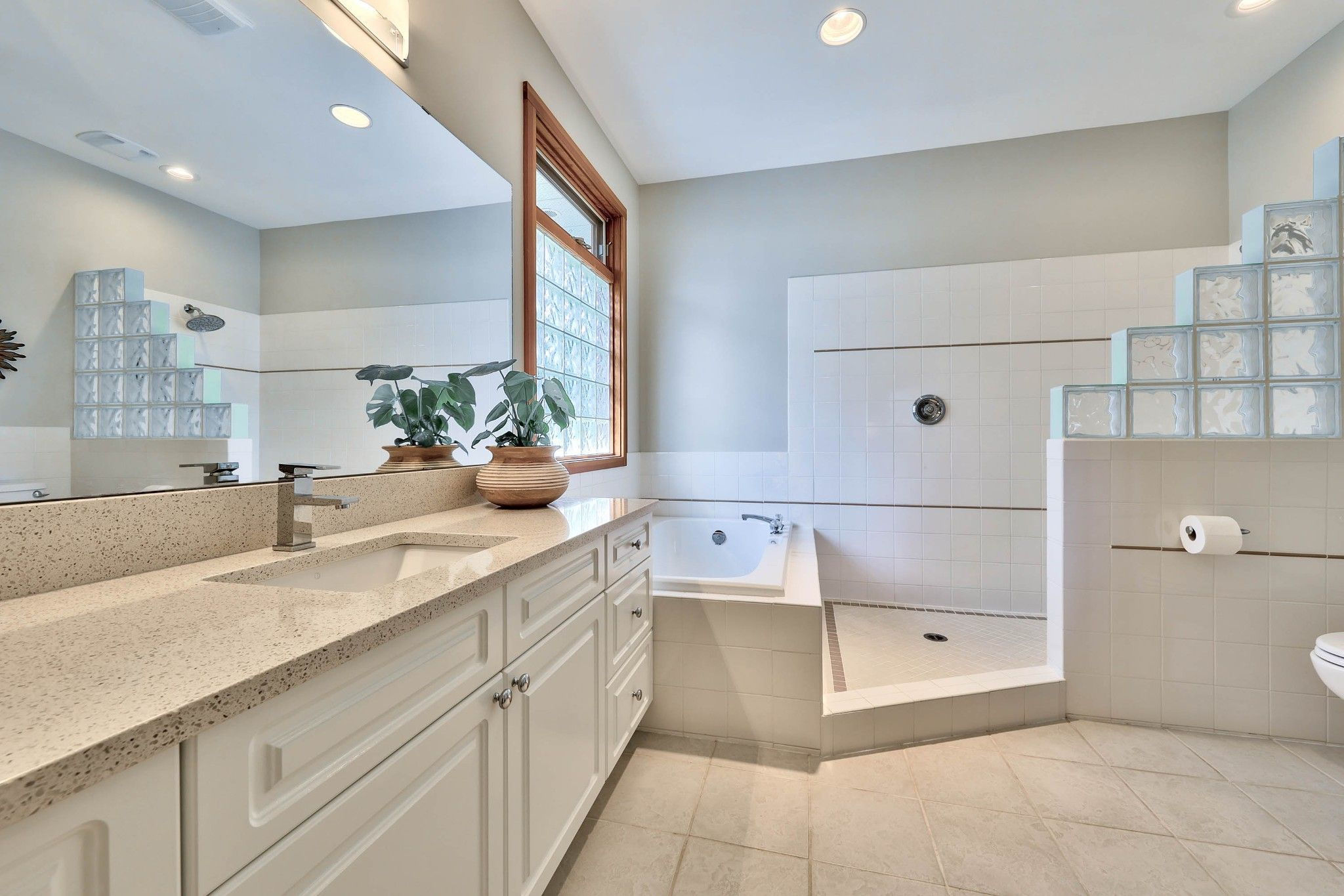 Photo 23: Photos: 3299 E Shuswap Road in Kamloops: South Thompson Valley House for sale : MLS®# 162162