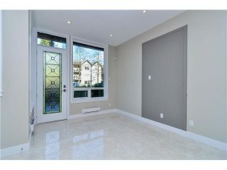 """Photo 3: 1808 E PENDER Street in Vancouver: Hastings Townhouse for sale in """"AZALEA HOMES"""" (Vancouver East)  : MLS®# V1051679"""