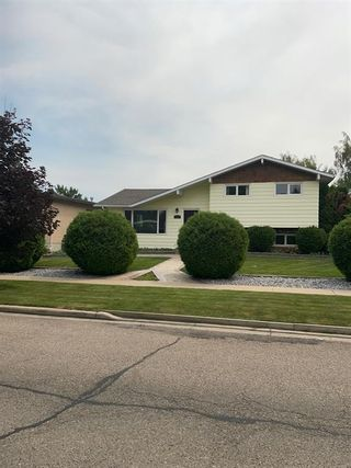 Photo 1: For Sale: 1101 Great Lakes Road S, Lethbridge, T1K 3N7 - A1127813